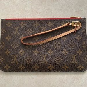 Louis Vuitton wristlet ( neverfull mm )